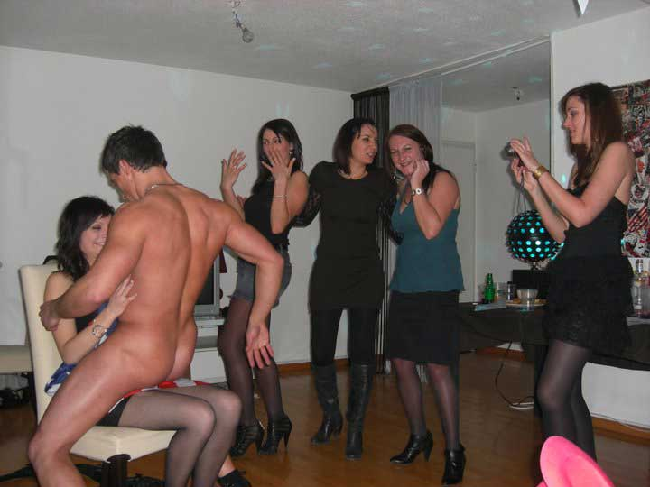 Stripteaseur à domicile Paris Île-de-France
